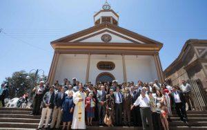 Inauguración Iglesia Nuestra Señora del Carmen - Intendente junto a sus padres
